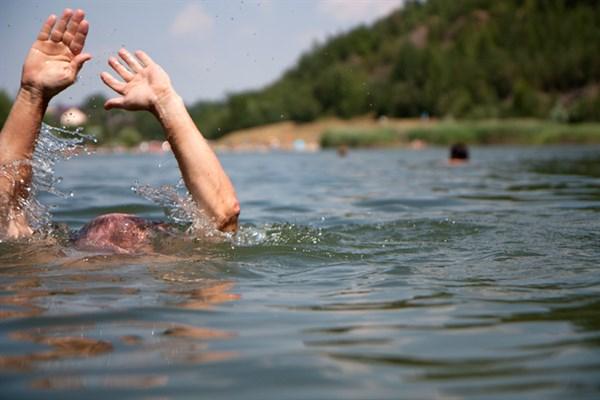 На озере в микрорайоне Северный утонул местный житель