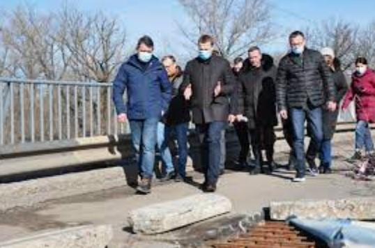 Ремонт моста в Славянске отдали под ответственность чиновникам Донецкой облгосадминистрации