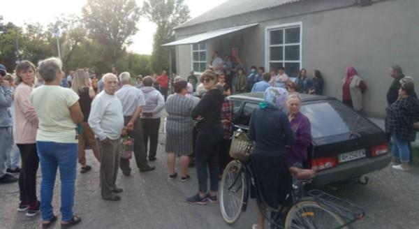 Под Святогорском продолжают протестовать против добычи газа