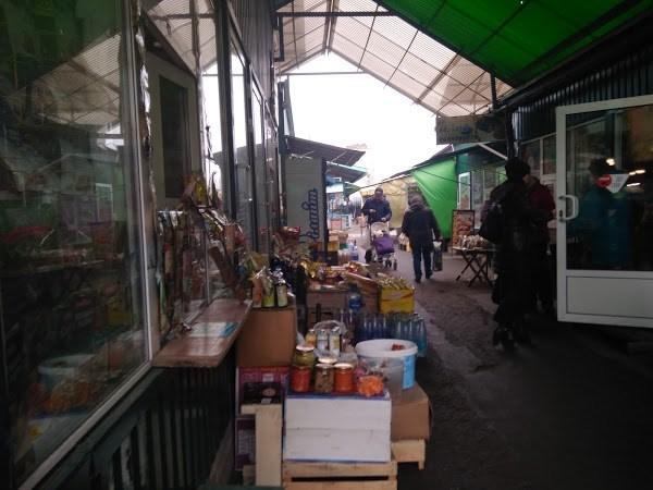 Рынок Славянска: что продают и какие цены на мясо, фрукты, овощи