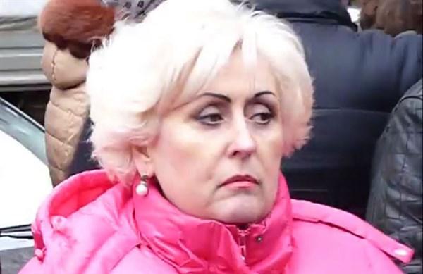 """Мэр Славянска вышла в эфир российского телеканала: «Я позвонила начальнику милиции и сказала: """"Весь город встал щитом, защищая ребят, захвативших здание»"""
