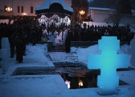 «В прошлом году было холоднее, а в этом – веселее»: обзор крещенских фотографий из Святогорска