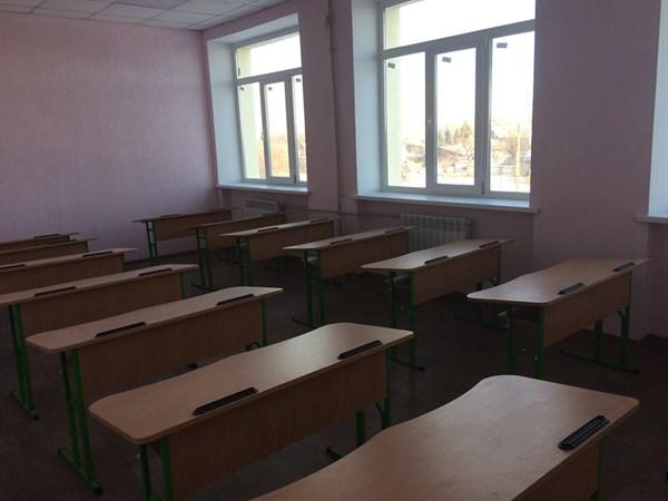 В Былбасовке Славянского района дети должны зайти в обновленную опорную школу в марте