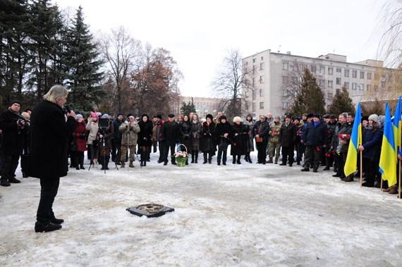 В Славянске провели митинг возле памятника воинам – афганцам и почтили память погибших