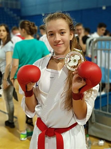 Лиза Татаренко из Славянска завоевала золотые медали на чемпионате мира по каратэ