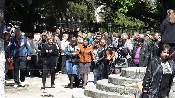 «Слава героям Донбасса»: жители Славянска простились с погибшими в ходе проведения антитеррористической операции 5 мая