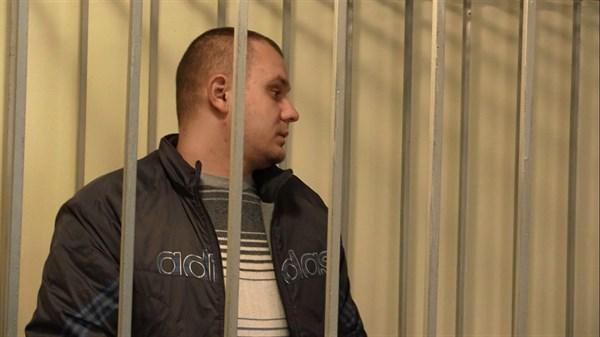 Славянский суд отпустил под домашний арест экс-участкового Святогорска, сбившего на своем внедорожнике насмерть трех людей