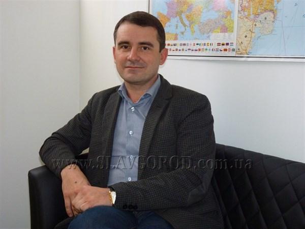 16 голосов за сутки: житель Славянска выступил с инициативой платить мэру среднюю по городу зарплату