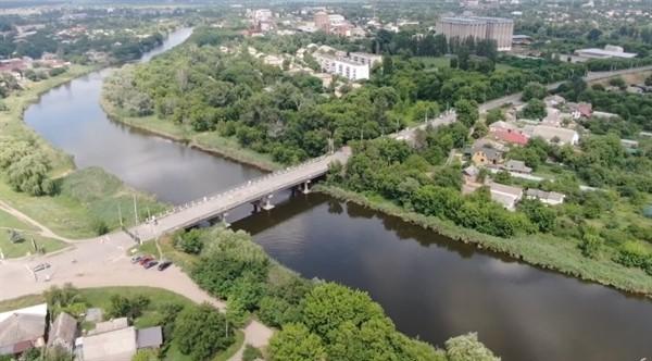 Движение по мосту в Славянске запустят до зимы