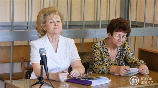 За Наташу ответит: в Славянске в суде рассматривалось дело о рукоприкладстве со стороны профсоюзной деятельницы, разбившей диплом о голову активистки