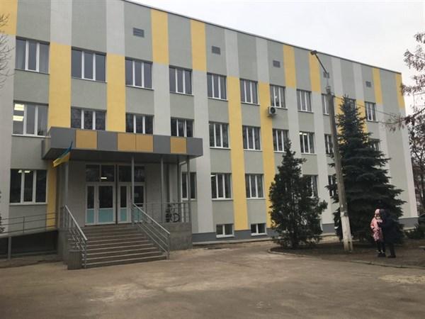 Детская поликлиника в Славянске после модернизации выглядит современно