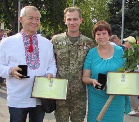 """Волонтерская семья Маник из Славянска: """"Самый большой активист у нас. Она всегда начинала, а мы ее поддерживали"""""""