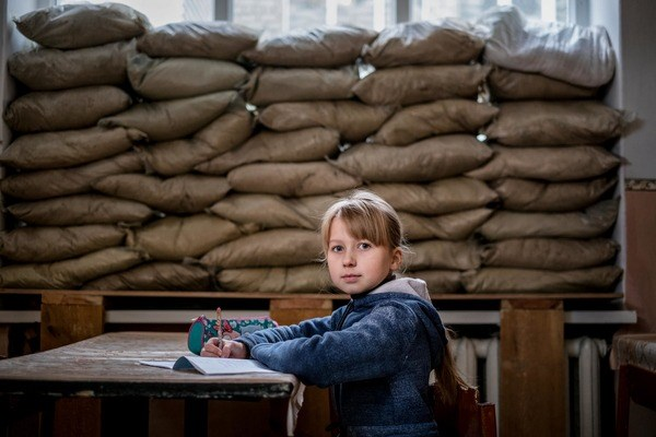 """Экзотические общепиты Донецка, мусорные чудовища и """"Донбасс"""" в Каннах: дайджест за неделю"""