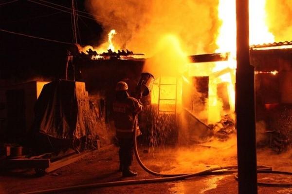 В Славянске при пожаре пострадал несовершеннолетний