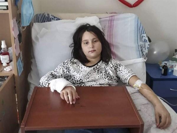 12-летняя жительница Славянска борется с раком: у девочки нет родителей, о ней заботятся волонтеры