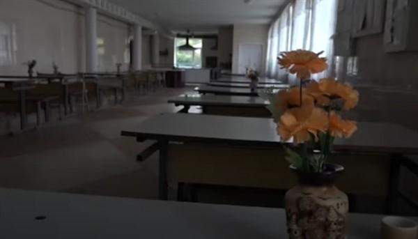 Ученики школы №5 Славянска вынуждены питаться всухомятку