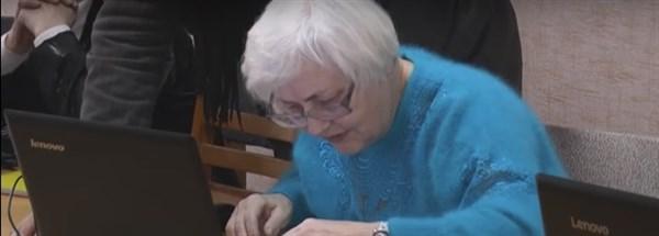 Як Слов'янські бабусі та дідусі освоюють інтернет (ВІДЕО)