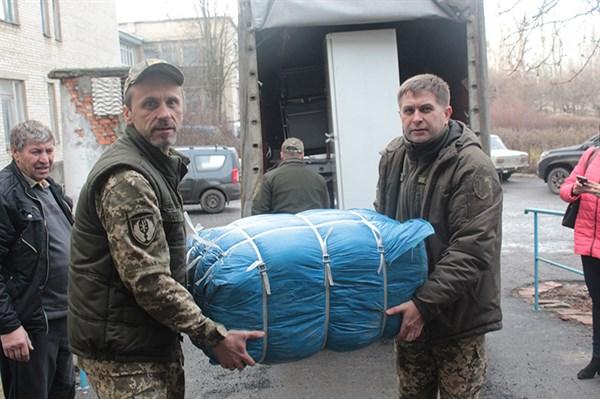 В Славянскую районную больницу передали гуманитарный груз из Латвийской республики
