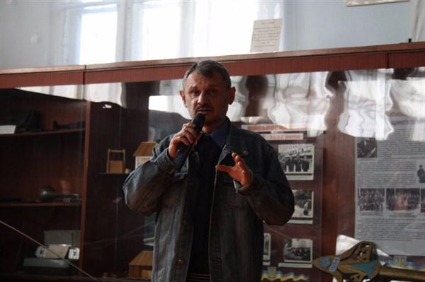 Как Славянск прощался с поэтом Александром Романько, трагически погибшем за день до своего 44-летия. Видео