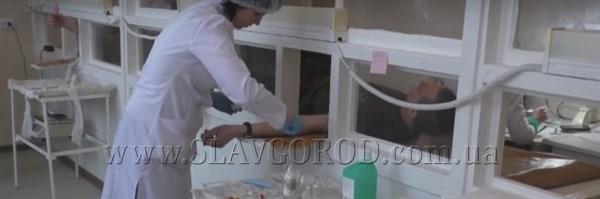 Нацгвардійці поповнили банк крові для надання екстреної допомоги пацієнтам лікарень Слов'янську (ВІДЕО)
