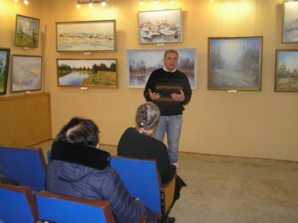 Художник-пейзажист из Славянска выставил свои картины в Бахмутском музее