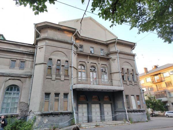 Есть ли шанс на возрождение Дома купеческих собраний в Славянске?