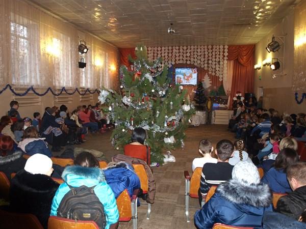 В Славянске для детей с особыми потребностями в ЦДЮТ прошел новогодний утренник (ФОТОРЕПОРТАЖ)