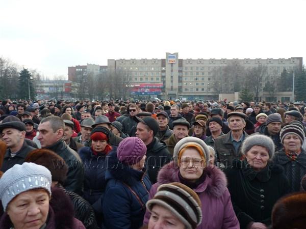Дубль два: резолюция  второго митинга на центральной площади Славянска – провести референдум о статусе юго-востока Украины 30 марта