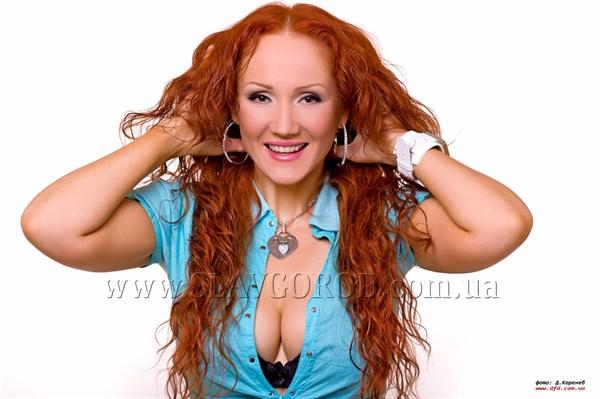 В Славянск с благотворительным концертом едет исполнительница песни «Я худею от тебя»