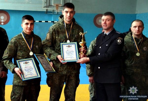 Участковый офицер из Славянска взял «золото» на соревнованиях по рукопашному бою