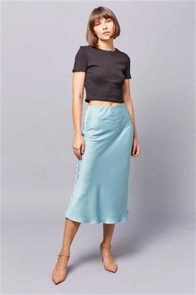 Какую выбрать юбку из сатина на лето 2020. Советы для девушек