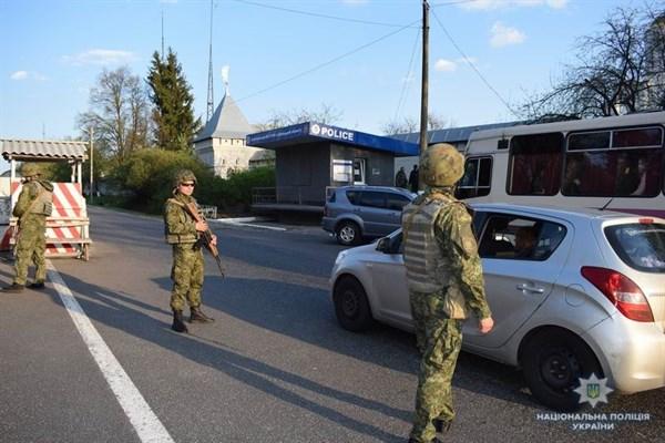 На блокпосту возле Славянска полицейские задержали «Ауди»: по базе данных авто проходит как «двойник»