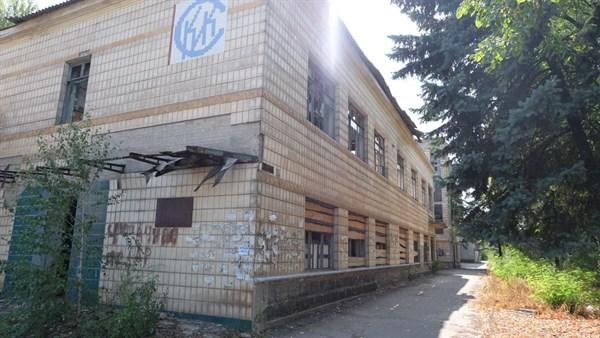 Каким он парнем был: все, что осталось от  Славянского керамического завода (ФОТОРЕПОРТАЖ)