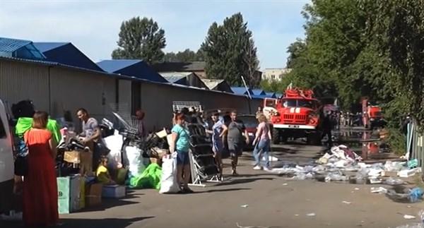 Пожар на центральном рынке Славянска: сгорело 20 павильонов, но администрация считает, что это не поджог