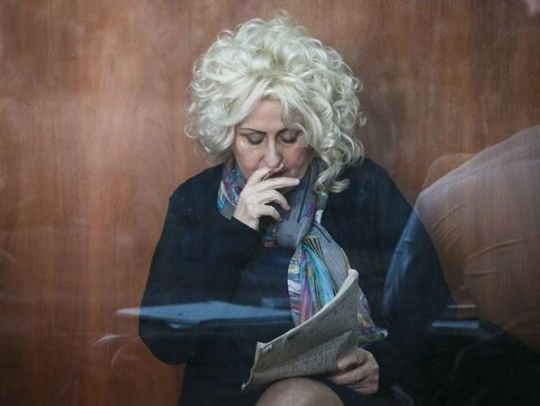 За стеклом: адвокаты Нели Штепы попросили, чтобы судебный процесс над ней шел в онлайн-трансляции