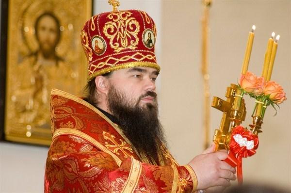 Архиепископ Горловский и Славянский Митрофан просит не соблазняться призывам выходить на баррикады