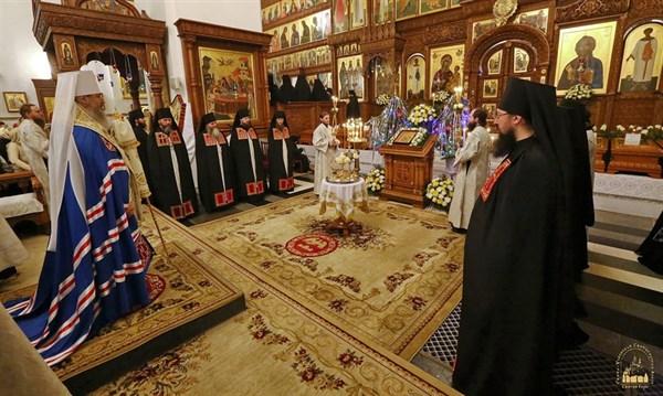 Как в Святогорской Лавре проходила рождественская литургия. ФОТОРЕПОРТАЖ