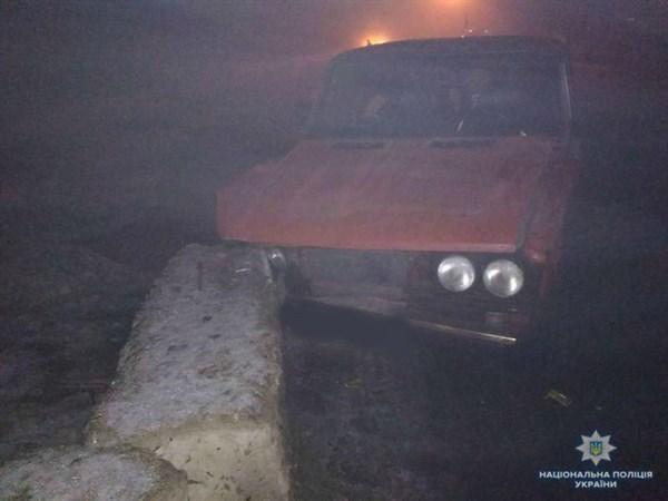 На въезде в Славянск житель Дебальцево с двумя детьми в салоне врезался в бетонную опору