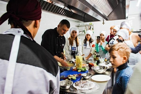 Шеф-повар Сергей Видулин дает бесплатные мастер-классы в Константиновке