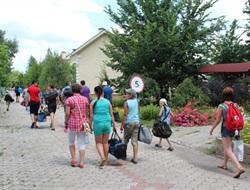 Славянские правоохранители помогли детям из «серой зоны» города Светлодарска выехать на отдых (ФОТО)
