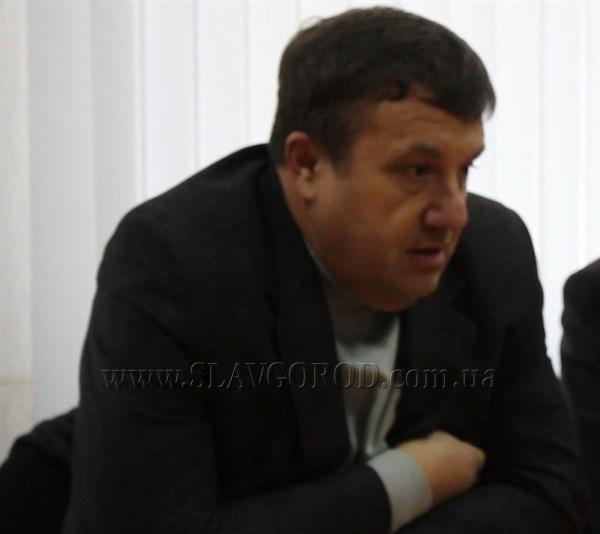 Предприниматель из Славянска будет выпускать красную черепицу и сбывать ее в Европе. Но в 2014-ом считал, что его продукция подходит только для постсоветских стран