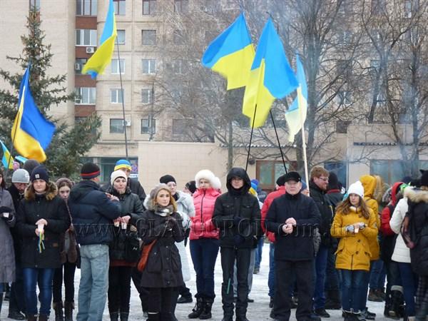 На народном вече в Славянске почтили память погибших жителей Мариуполя и выяснили, когда демонтируют памятник Ленину