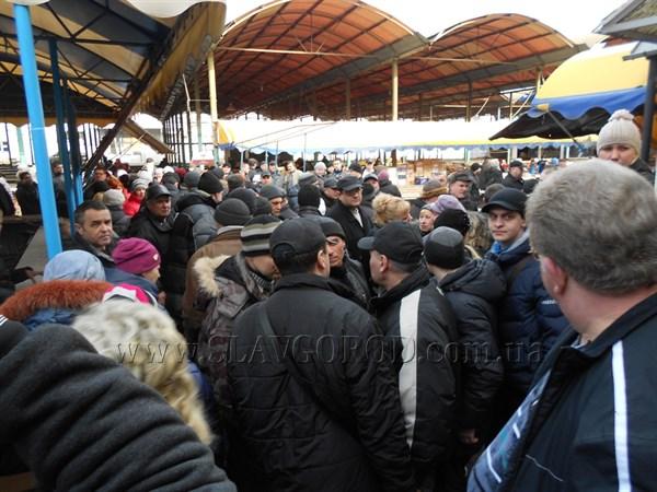Бунт на центральном рынке в Славянске: предприниматели требуют каникулы и понижение арендной платы