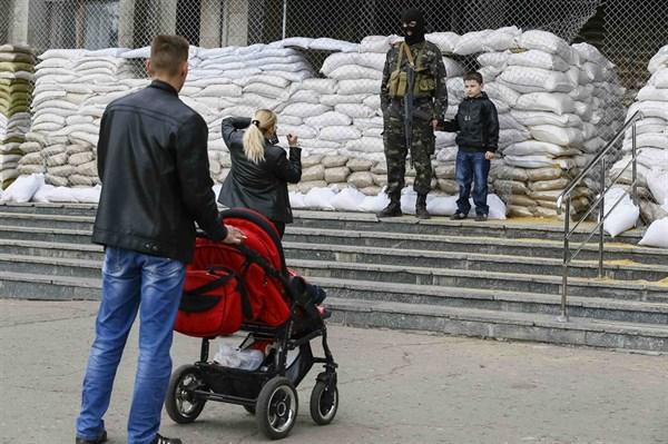 """Славянск три года назад: «Я хорошо помню этот день, прямо с утра появились новости о """"штурме"""" горотдела, в котором никого не было»"""