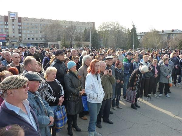 Поговорили и разошлись: митинг на Центральной площади прошел без принятия резолюции (ФОТО, ВИДЕО)