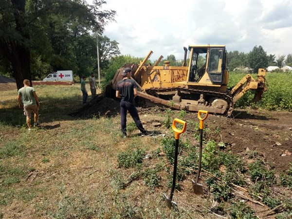В Слов'янську розпочалася розчистка території Староміського цвинтаря