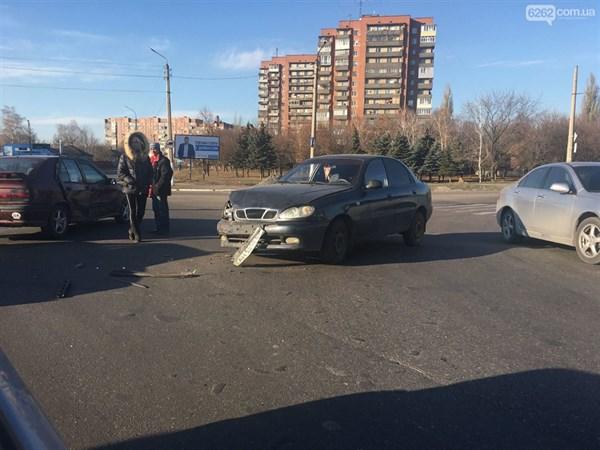 В Славянске ДТП на Тверской: столкнулись две легковушки