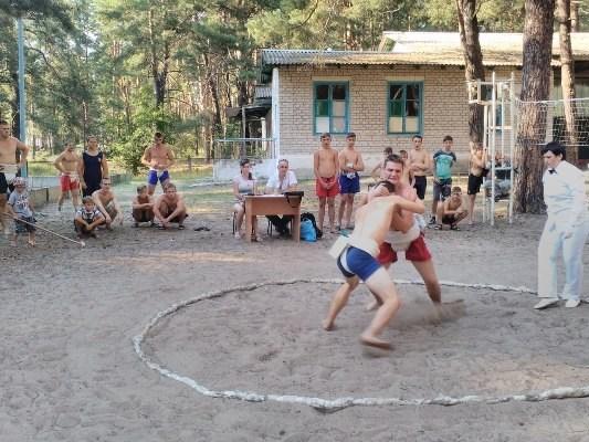 Власти Славянска решили в этом году провести в лагере «Лесная сказка» три смены по 14 дней каждая