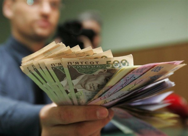 Чем живет Родина, где самые высокие зарплаты на Луганщине, и как дончанин открыл кафе в Кракове
