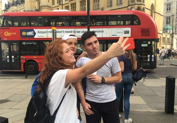 Борис Колесников отправил студентов Славянска на престижную выставку в Лондон